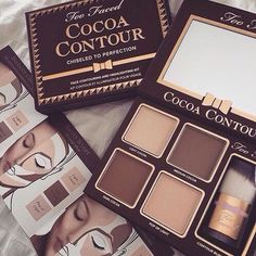 Get Too Faced's exclusive best-selling cocoa contouring and highlighting makeup kit today. Our Cocoa Contour makeup kits will enhance your facial features. Too Faced Kiss Makeup, Love Makeup, Makeup Inspo, Stunning Makeup, Prom Makeup, Pretty Makeup, Makeup Goals, Makeup Tips, Beauty Makeup