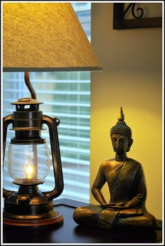 love the light falling on the buddha..