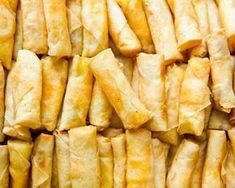 21 Insanely Easy Appetizers Guaranteed To Please Your Party Guests Great Appetizers, Appetizer Recipes, Snack Recipes, Yummy Recipes, Cooking Light Recipes, Cooking Time, Cheesy Garlic Breadsticks Recipe, Fingers Food, Zucchini Chips Recipe