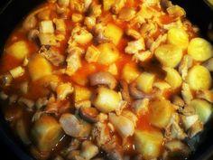 Ingredientes:   Para el cuajito:   1 libra de cuajito  3 cucharatidas de vinagre  3 cucharadita de sal  3 hojas de cilantro  1 cebolla p...