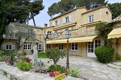 Relais & Châteaux is a collection of gourmet restaurants, boutique hotels, resorts and villas. Taste the cuisine of the world's best chefs. Cap D Antibes, Antibes France, Restaurants, Villa, Mansions, House Styles, Home, Gourmet, Manor Houses