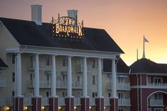 Disney's BoardWalk Inn Recalls Bygone Era Disney World Resorts, Hotels And Resorts, Walt Disney World, Disney Parks Blog, Disney S, Disney Vacation Club, Disney Vacations, Park 24, Disney Planning