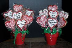 Valentine's Day Bouquets Just a couple of the valentine's day orders that I had. The bouquet on the left contained 7 heart. Valentines Day Baskets, Valentines Day Cookies, Valentine Treats, Valentines For Kids, Cookie Bouquet, Flower Cookies, Candy Bouquet, Christmas Cookies Packaging, Cookie Pops
