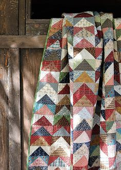 Patchwork Quilting, Scrappy Quilts, Easy Quilts, Hand Quilting, Patchwork Ideas, Quilting Room, Quilt Stitching, Small Quilts, Quilting Projects