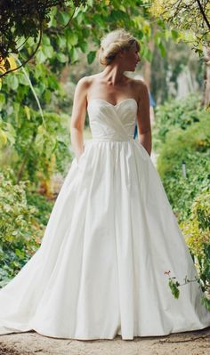 Amaline Vitale - Ball gown - Ivory - Size 8-10 wedding dress for sale in Hawthorn West, Victoria | Still White Australia