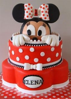 Don't you just love this Minnie Mouse cake? I loved Minnie FAR more than Mickey as a little girl! Minni Mouse Cake, Bolo Da Minnie Mouse, Minnie Cake, Pretty Cakes, Cute Cakes, Beautiful Cakes, Amazing Cakes, Fondant Cakes, Cupcake Cakes