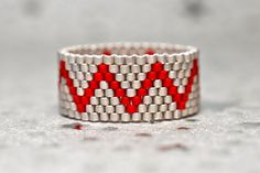 Shop for pizza on Etsy, the place to express your creativity through the buying and selling of handmade and vintage goods. Beading Patterns Free, Beaded Bracelet Patterns, Bead Loom Patterns, Seed Bead Jewelry, Bead Jewellery, Beaded Jewelry, Peyote Beading, Beaded Rings, Beaded Bracelets