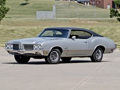 musclecarblog:  (via 1970 Oldsmobile 442 Holiday Coupe by...