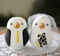 Love bird wedding cake toppers. Cute! #cake_topper #weddings
