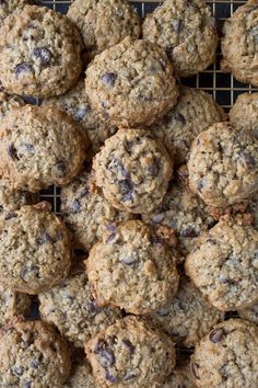 Oatmeal Chocolate Chip Cookies - Chez Us Oatmeal Cookie Smoothie, Oatmeal Chocolate Chip Cookies, Oatmeal Cream Pies, Pumpkin Oatmeal, Hash Tag, Apple Butter, Real Food Recipes, Lunch Recipes, Cookie Bars