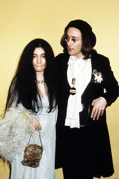 Lennon and Ono at the 17th Annual Grammy Awards in 1975.