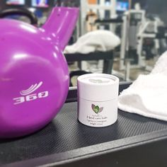 100% Natural rip stopper balm for hard working hands (Gymnasts, CrossFit, Climbers, Weightlifters, Rowers, Carpenters, Gardeners...). Cypress & Lemongrass hand care balm helps repair skin rips, protect from callus tears and prevent blisters. It keeps skin and cuticle supple, and reduces pain and inflammation.Each ingredient was hand selected to create the perfect formula to moisturize and get your hands back to their true nature.