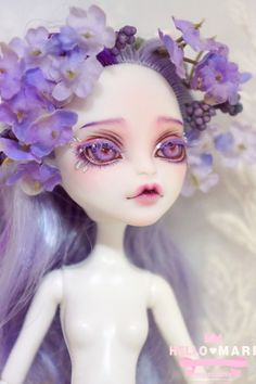 Repaint the Interior of Your Home Monster High Doll Clothes, Custom Monster High Dolls, Monster High Repaint, Custom Dolls, Pretty Dolls, Beautiful Dolls, Doll Makeup, Doll Painting, Barbie