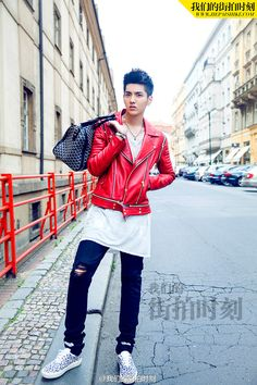 I totally love his fashion and im really digging that red jacket. Would totally wear this.