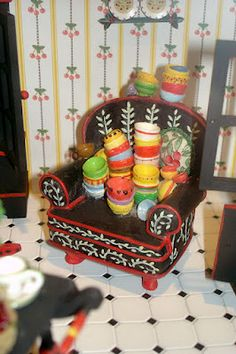 Good Sam Showcase of Miniatures - a chairful of bowlies