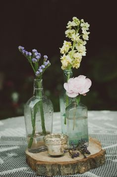 Vintage Eclectic Centerpiece // photo by Chantel Marie, see more: http://theeverylastdetail.com/vintage-eclectic-california-wedding/
