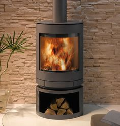We finally chose a woodburner yesterday. But haven't bought it yet. Plenty to do before that still: contemporary wood-burning stove (rotating) EMOTION S SKANTHERM Stove Heater, Pellet Stove, Contemporary Wood Burning Stoves, Wood Burner Fireplace, Into The Fire, Log Burner, House Extensions, Fireplace Design, Hearth