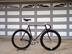 From now on I'll give you NJS servings every monday. The Alien Track bike Frame: Alien Track Fork/Headset: Tange NJS Cra. Fixed Gear Bicycle, Bike Frame, Bike Art, Road Bikes, Track, Biking, Cogs, Bicycling, Motorcycles