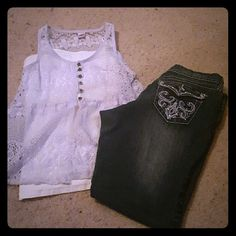 Tank top Light purple tank top button up on top open on bottom lace brand new never worn. BONGO Tops Tank Tops