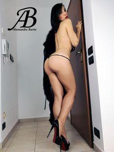 Emily osment fake nude photos