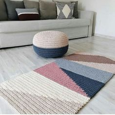 Stairways With Carpet Runners Product Pouf En Crochet, Crochet Mat, Crochet Carpet, Crochet Stitches, Crochet Decoration, Crochet Home Decor, Crochet Pillow Patterns Free, Knit Rug, Modern Crochet