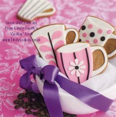 Beautifully decorated mug cookies by Lindy Smith
