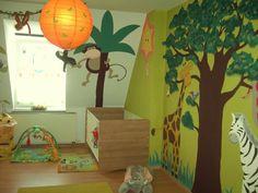 Kinderzimmer 'Dschungel- Kinderzimmer' The post Kinderzimmer 'Dschungel- Kinderzimmer' appeared first on Kinderzimmer. Kids Room Design, Wall Design, Diy Design, Jungle Bedroom, Jungle Nursery, Deco Jungle, Baby Room Colors, Baby Room Diy, Colorful Pillows