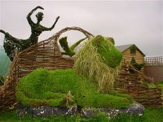 Topiary Art Designs by Steve Manning Lion sculpture for RHS Chelsea Flower Show