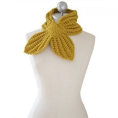 Mulberry leaf knitter scarf