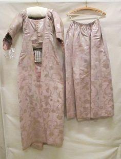 ajustées robes robes à l'anglaise dresses women's clothing | Fashion Muse