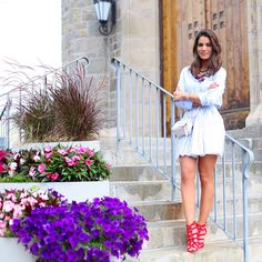 Look of the day: Shades of blue and white