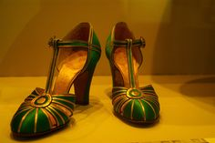 Vintage shoes from the 1920s: Mary Janes were *IT*!