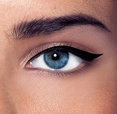 4 easy steps to a perfecting liquid eyeliner