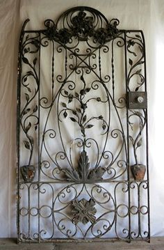 Relics, Sculpture, Motifs for the Home: Antique garden gate - My creative garden decor list Garden Doors, Garden Gates, Garden Art, Garden Design, Portal, Sculpture Metal, Wrought Iron Gates, Fence Gate, Gate 2