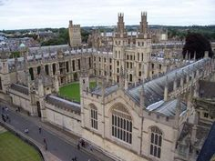 World's some of the Most Remarkably Beautiful College/University Campuses