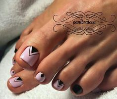 Cool Nail Toe Designs with Geometric Prints picture 2 Pretty Toe Nails, Cute Toe Nails, My Nails, Pedicure Nail Art, Toe Nail Art, Manicure And Pedicure, Pedicure Ideas, Gel Nagel Design, Feet Nails