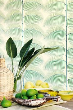 Straight-lined palm fronds are beautifully arranged on a white background - one can almost feel the breeze moving amongst them. Wallpaper From The 70s, Tropical Wallpaper, Palm Fronds, Basic Colors, Pattern Wallpaper, Decoration, Murals, Plant Leaves, Delicate