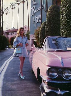Vintage inspired photo of Kate Moss at the Beverly Hills Hotel Kate Moss, Mode Vintage, Vintage Vogue, Retro Vintage, Vintage Vibes, Vintage Glamour, 50s Glamour, Fashion Vintage, Vintage Style