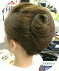 Famous Hairstyles For Long Hair Famous Hairstyles, Evening Hairstyles, Bun Hairstyles For Long Hair, Short Hair Updo, Elegant Hairstyles, Diy Hairstyles, Hair Dos, Layered Hairstyles, Updo Hairstyle