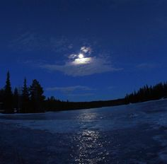 moon in trysil night photography shot