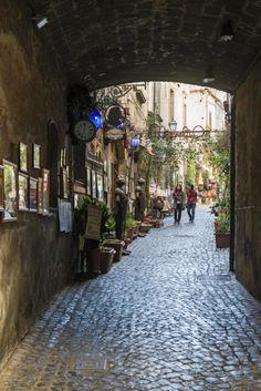 Orvieto er ikke bare en storslått katedral. Å nei, den eldgamle åstoppbyen midt i Italia er mye, mye mer. Italia
