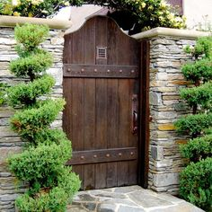 Ranch Style Home Curb Appeal Design Ideas, Pictures, Remodel, and Decor - page 24