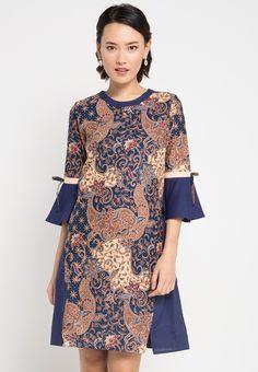 Contoh Model Baju Batik Wanita Terkini  3c5274907e