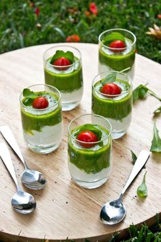 bicchierini italiani bufala rucola datterini #pinxos Easy Cooking, Cooking Recipes, Healthy Recipes, Antipasto, Best Appetizers, Appetizer Recipes, Brunch Recipes, Wine Recipes, Tapas