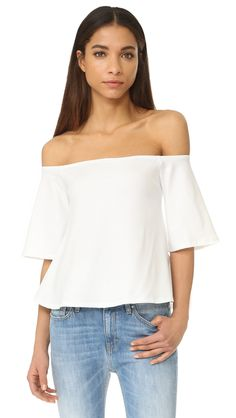 ¡Cómpralo ya!. David Lerner Chelsea Top - White. An off shoulder David Lerner top with a slouchy fit. Flared half sleeves. Fabric: Ponte jersey. 92% nylon/8% spandex. Wash cold. Made in the USA. Measurements Length: 19.75in / 50cm, from shoulder Measurements from size S. Available sizes: S , tophombrosdescubiertos, sinhombros, offshoulders, offtheshoulder, coldshoulder, off-the-shouldertop, schulterfreiestop, tophombrosdescubiertos, topdosnu, topspallescoperte, hombrosdescubiertos. Top…