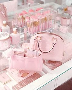 🌸 All pink, yes please 🌸 Modern Princess, Princess Aesthetic, Pink Princess, Bad Girl Aesthetic, Princess Gifts, Pastel Room, Pink Room, Mode Rose, Aesthetic Room Decor