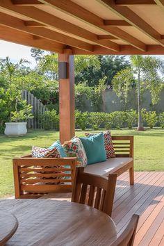 Indoor Outdoor Living, Outdoor Spaces, Architect Design House, Gazebos, Carport Designs, Bungalow House Design, Modern Farmhouse Exterior, Garden Landscape Design, Diy Pergola