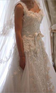 Used Elie Saab Wedding Dress For On Preownedweddingdress Vestidos Pinterest Weddings And