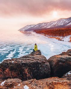 Lake Baikal ice photo tour 10