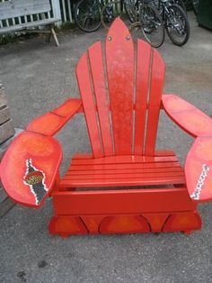 Lobster Adirondack chairs - love the cup holder Beach Furniture, Outdoor Furniture Plans, Funky Furniture, Rustic Furniture, Painted Furniture, Painted Dressers, Furniture Design, Decoupage Furniture, Adirondack Chairs